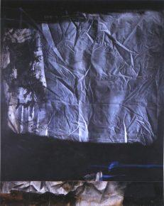 Toile-froissée-sur-fond-noir-1978-copie-800x0-c-default